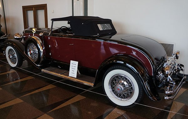 A featured display at the A-C-D Museum, the 1931 Duesenberg J Murphy Roadster has the extremely long body and yet a very low cut windshield.