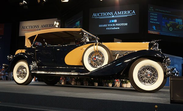 The big sale of the day was a 1935 Duesenberg Model SJ Phaeton which went for $760,000.