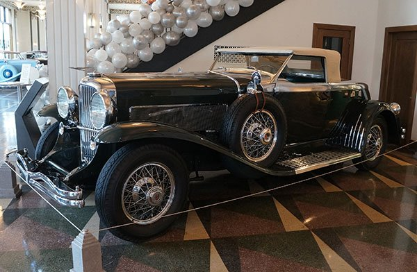 An unusual 1932 Duesenberg was built with a boattail style rear valance. A Duesenberg chassis was built at the factory. At that point wealthy buyers would have a coachworks company design a custom body for the finished car.