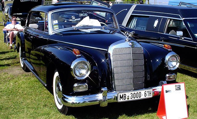 Hearse archives classicar news for International mercedes benz milwaukee
