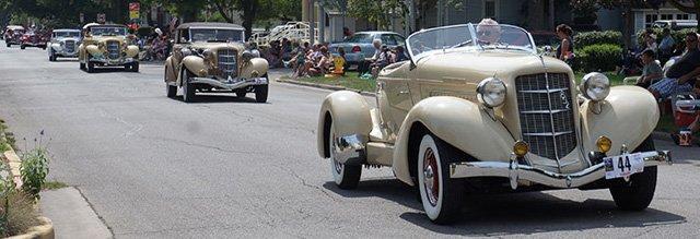 2013 Auburn Car Parade