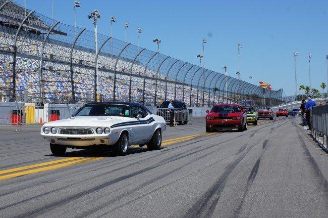 1971 Dodge Challenger leads the way at the Daytona Turkey Run Spring 2014