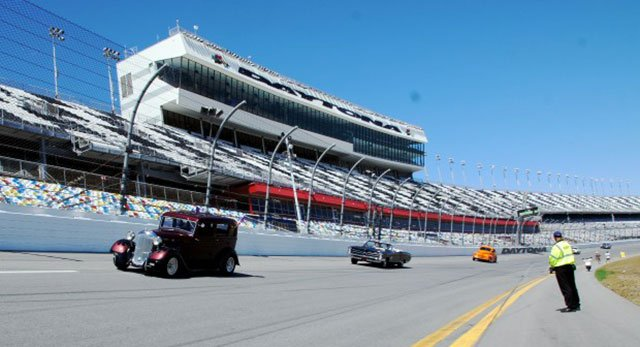 Sunday on the Track at Daytona Turkey Run Spring 2014