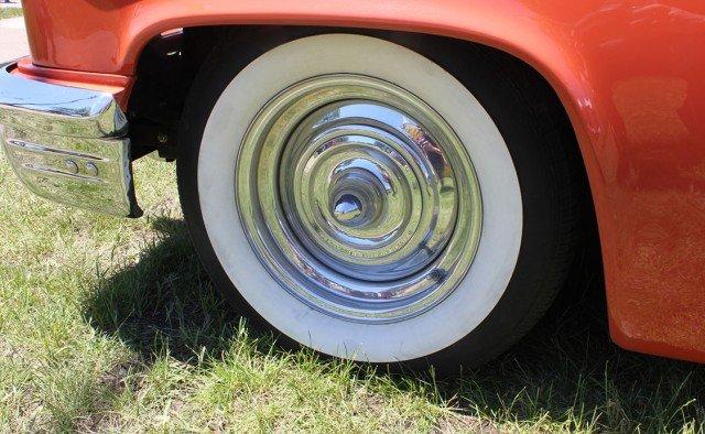 1953-Mercury Monterey Convertible wheels