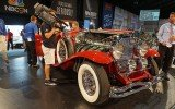 1935 Duesenberg on the auction stage