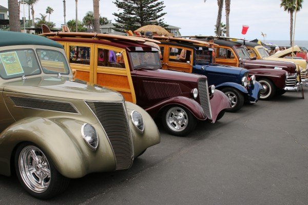 Long lines of woodies formed rows in the Moonlight Beach parking area