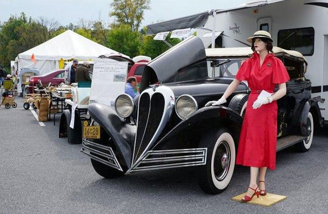 1934 Brewster with figurine at the Hershey Swap Meet