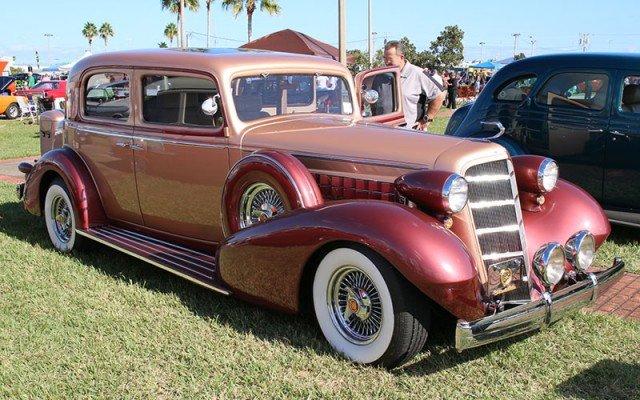 1935 Cadillac Town Sedan