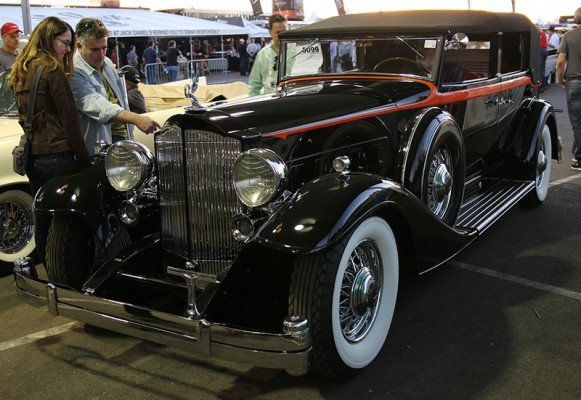 1933 Packard 1005 V112 Convertible Sedan