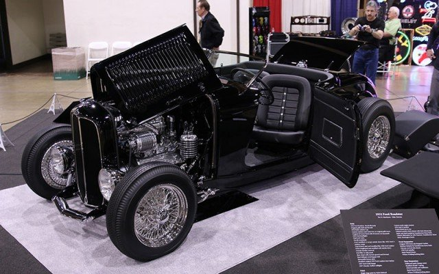 Beautifully designed 1932 Ford Roadster