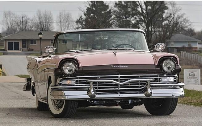 1957 Ford Fairlane Sunliner
