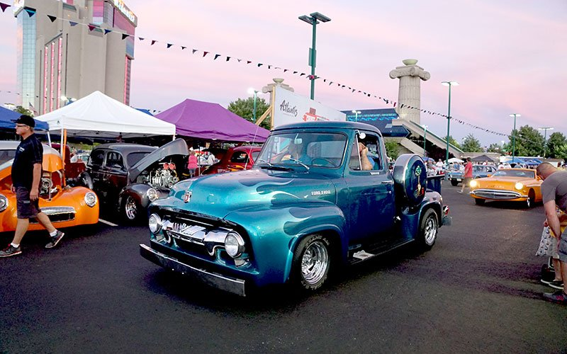 Hot August Nights cruising in Reno