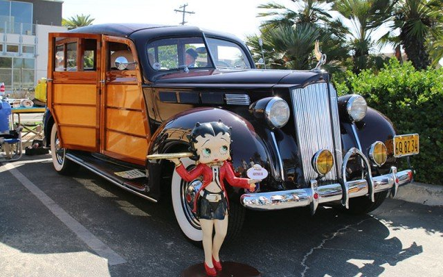 1938 Packard Woodie Wagon