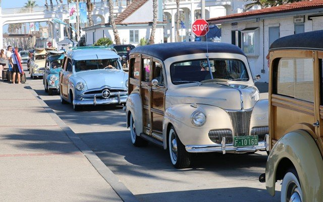 final cruise at the Wavecrest Woodie Show 2015 in Oceanside
