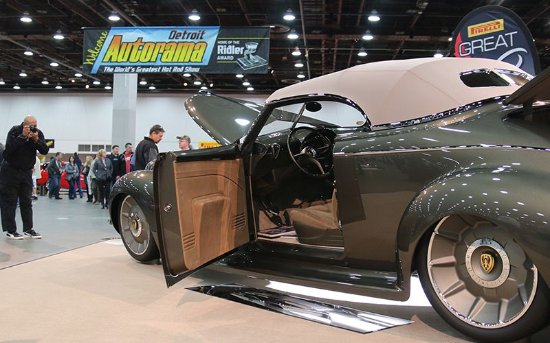1939 Oldsmobile Great 8 winner at 2016 Detroit Autorama