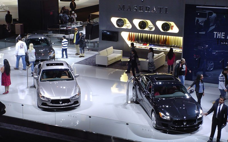chicago-auto-show-2016-floor-maserati