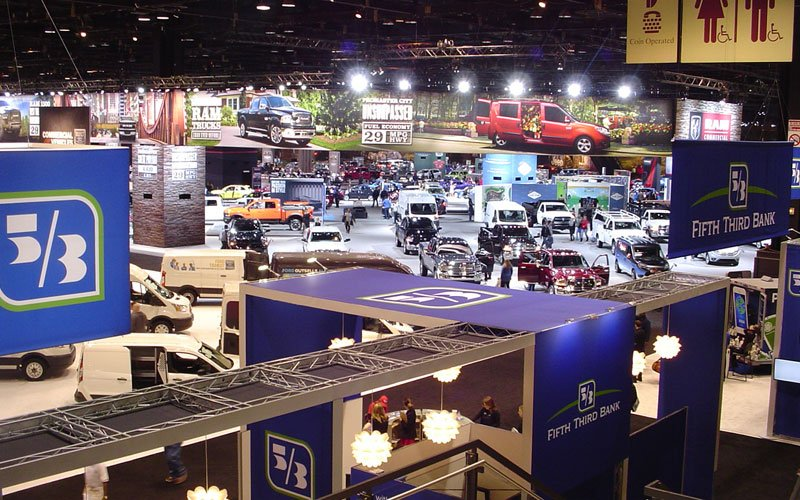 chicago-auto-show-2016-floor