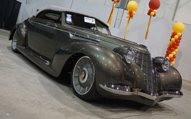 1939 Olds Goodguys Street Rod of the Year at the Goodguys PPG Nationals