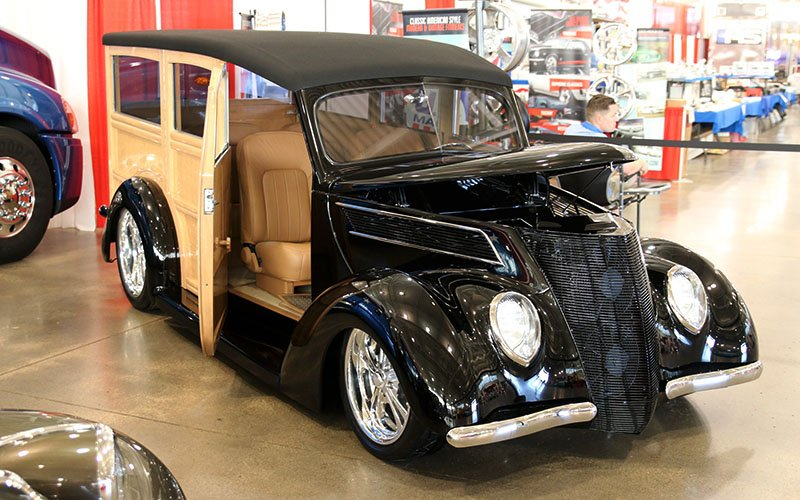1937 Ford Woodie at Goodguys 25th Heartland Nationals