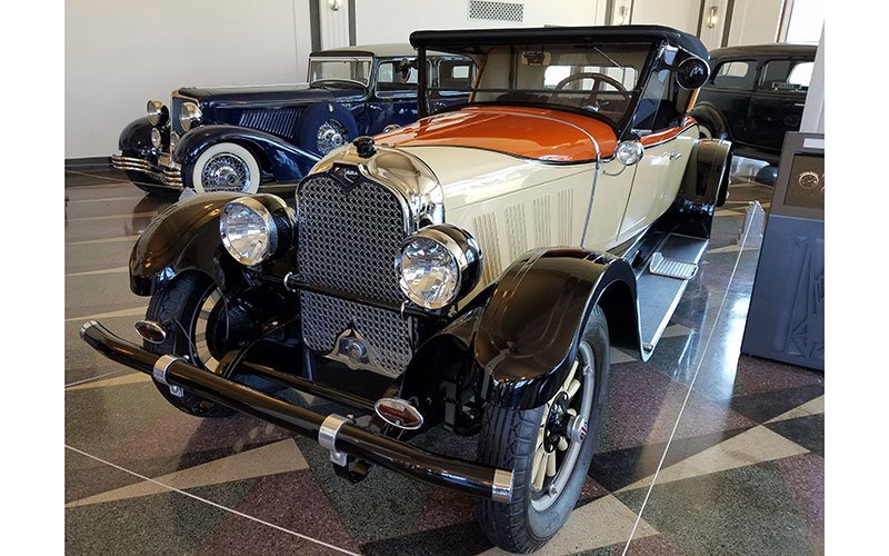 1926 Auburn. Auburn was known for wild two tone colors.
