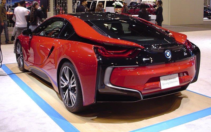 2017 BMW i8 02