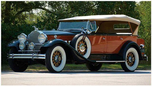 1930 Packard Deluxe Eight Seven-Passenger Phaeton