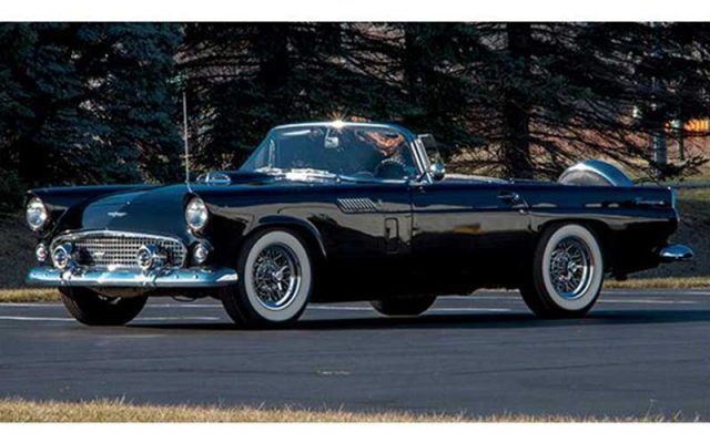 1956 Ford Thunderbird sells at 2017 Auburn Spring Auction