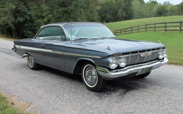 1961 Chevrolet Impala at 2017 Raleigh Classic