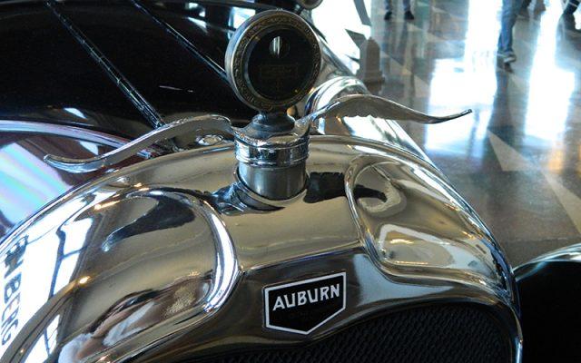 1927 Auburn Wanderer Hood Ornament