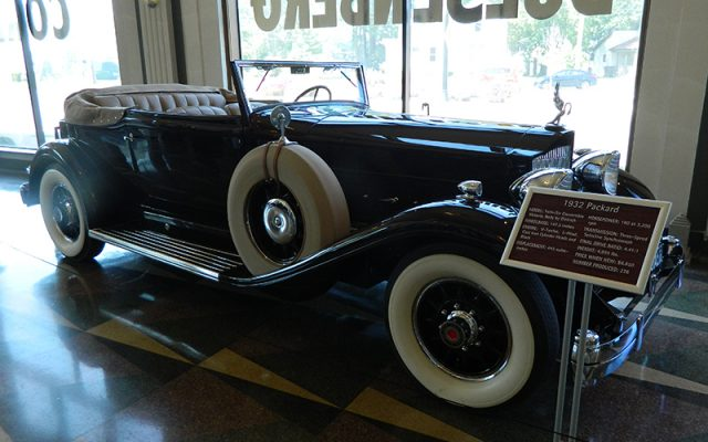 1932 Packard Twin-Six Convertible Victoria, Body by Dietrich