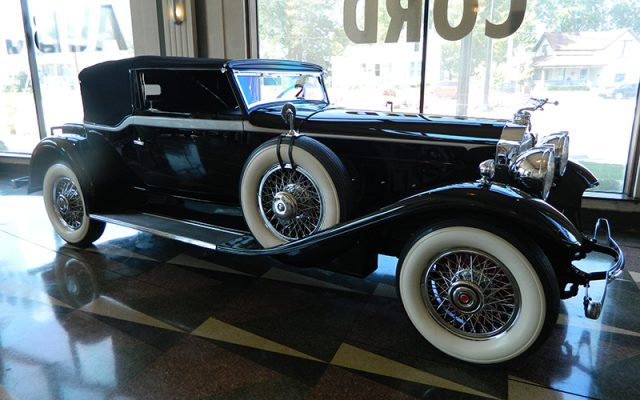 1930 Packard 745 Deluxe Eight Convertible Victoria, Body by Waterhouse