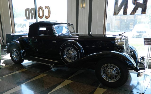 1933 Chrysler CL Series Imperial Roadster, Body by LeBaron