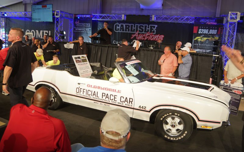 1970 Oldsmobile Indy Pace Car at Carlisle Summer Auction