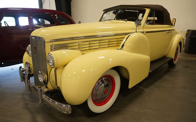 1938 Cadillac LaSalle at Raleigh Spring Classic Auction