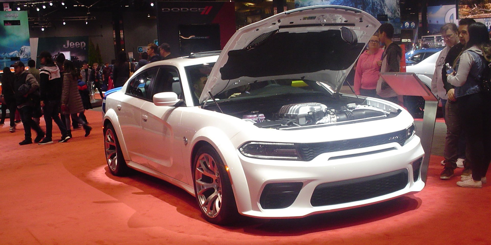 2020-dodge-charger-srt-hellcat-widebody