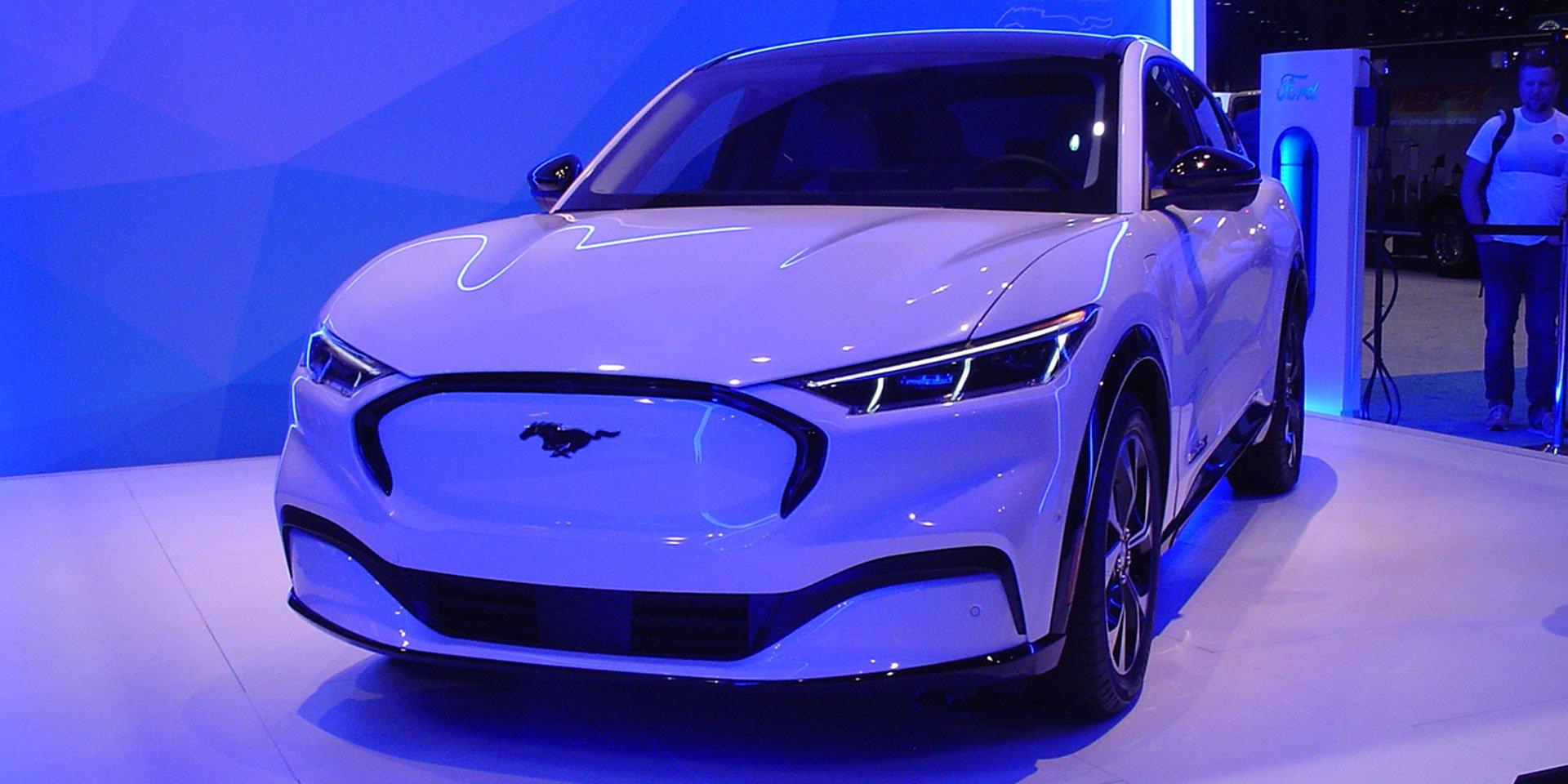 2021-Ford-Mach-E