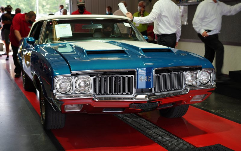 1970 Oldsmobile 442 W-30 Convertible sold at Raleigh Classic Auction